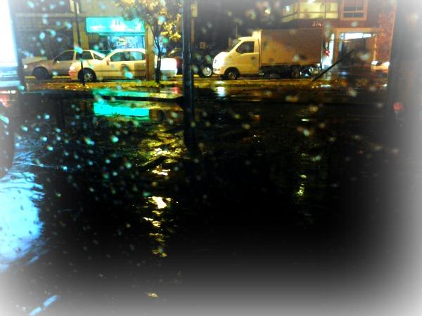 Santiago bajo la lluvia.