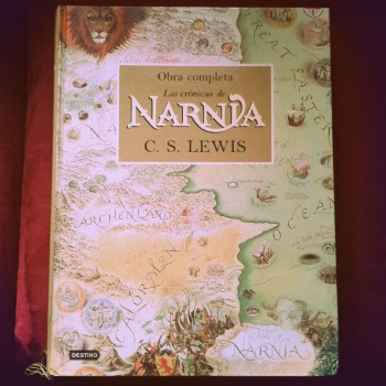 No fue esta la edición que leí de las Crónicas..., esta fue un regalo que me hicieron años después de esa primera lectura.